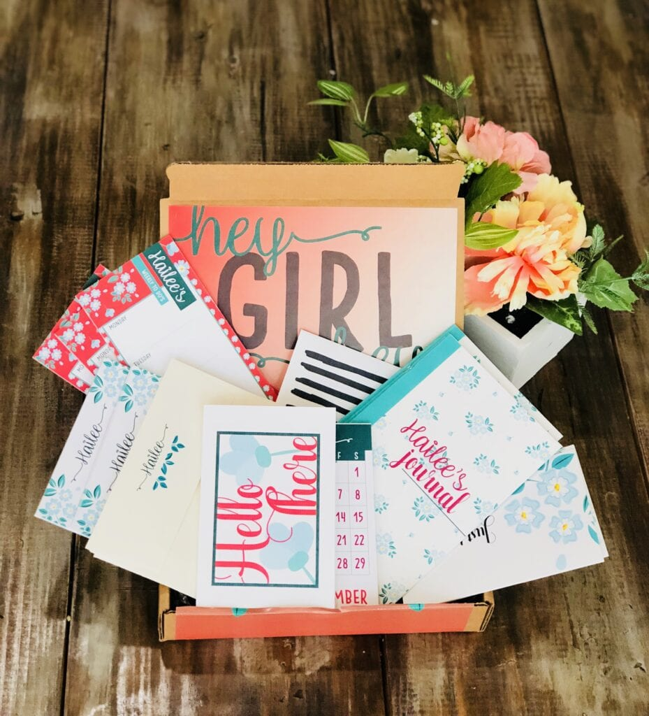 Floral personalized stationery